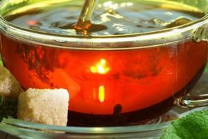 черный чай при поносе